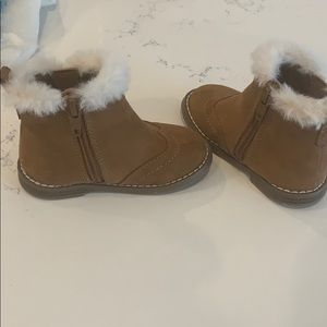 Super cute and warm baby girl boots
